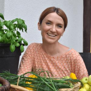 Dr. hab. Katerzyna Zablocka-Slowinska